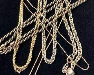 Finally Some Necklaces https://ctbids.com/#!/description/share/271288