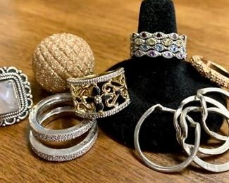 The Last Bunch of Rings https://ctbids.com/#!/description/share/271299