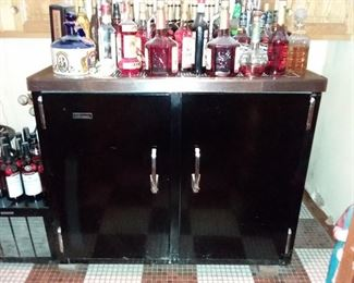 """PERLICK """"KING OF THE KEGGER"""" COOLERS WITH 2 TAPS!!"""