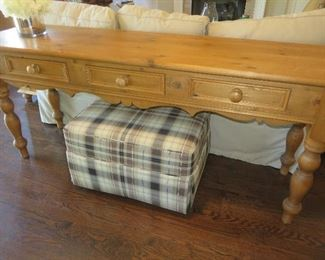 Pine 3 Drawer Console Table Ethan Allen Brown Plaid Ottoman Ethan Allen