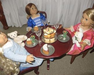 American Girl Felicity Table & Chairs