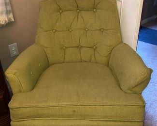 Broyhill green upholstered swivel chair