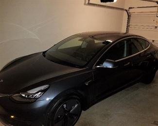 2018 Tesla Model 3 (apx 6200 miles)