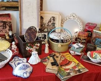 Large Selection of Vintage Items and Tins