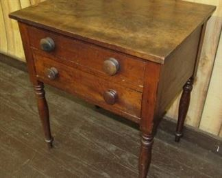Early 2 Drawer Stand