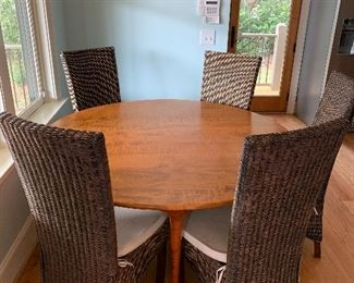 Windsor Chair Co maple round table-2 leaves