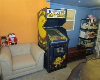 Super Pac Man works! Needs a good cleaning inside and out.