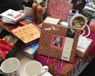 Gifts, photo albums, mugs