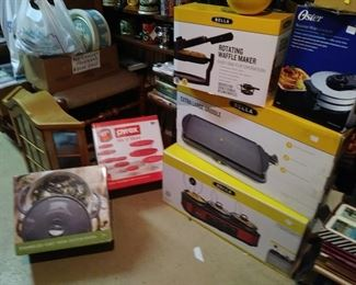 New in Boxes Triple cooker Griddle Pyrex Dutch Oven Waffle Maker