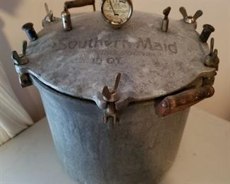 Southern Maid 18 Qt Pressure Cooker