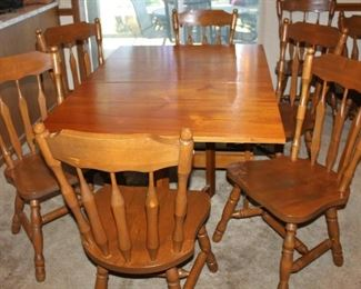 Fantastic solid wood Dining Table with six chairs.