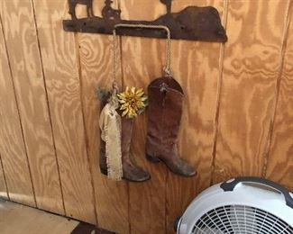 SOUTHWESTERN METAL ART WITH BOOTS & DAISYS