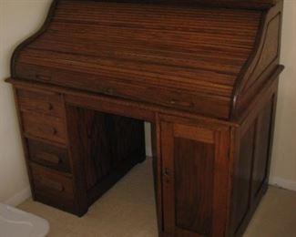 Scroll top desk