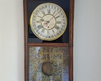 Regulator wall clock in beautiful condition.