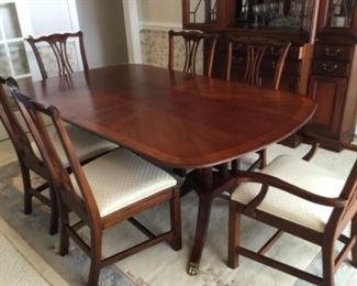 "Henredon Dining Room Table with 6 chairs 6'-4""L x 46""W x 28""H"