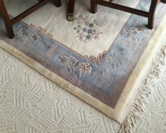Asian blue and cream rug 6' x 9'