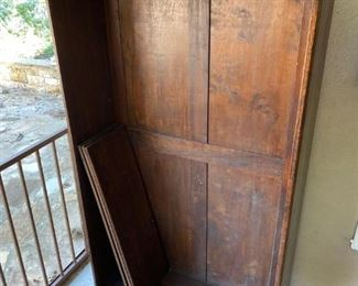 Antique wood bookcase with 4x shelves