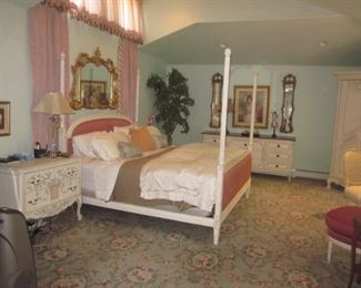 Beautiful Bedroom Suite ~ It All Goes!