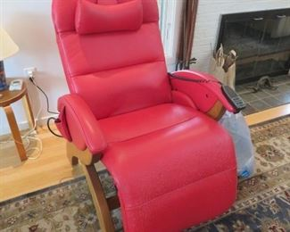 Andrew LeBlanc Novus zero gravity leather recliner