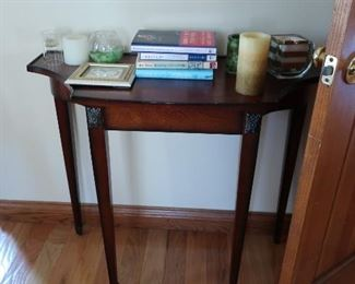 entry style  lamp/ display  table