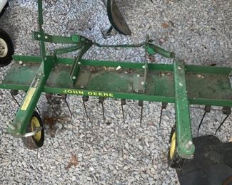 "John Deere 38"" Thatcher Attachment!"