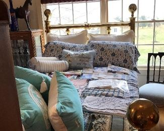 BEAUTIFUL BLUE AND WHITE LINENS