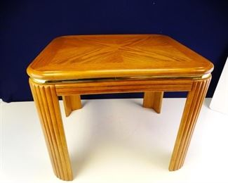 26 x 22.5 x 20.25 Light Wooden End Table