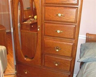 Oak Upright Dresser