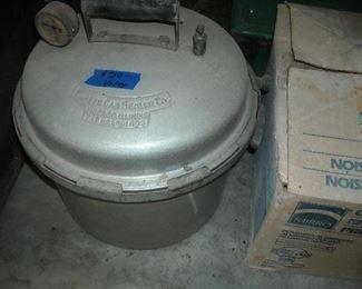 Vintage Burpee canning/pressure cooker