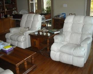Pair leather recliners