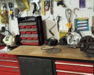 Many tools & tool boxes