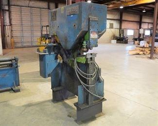 Mubea Universal Ironworker KBL 560