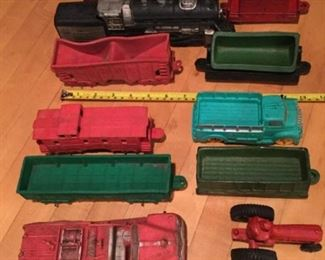 Assorted train cars plus tractor https://ctbids.com/#!/description/share/273003