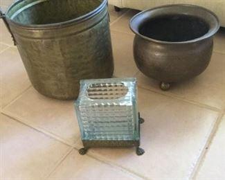 Brass Pots and Brass Footed Vase https://ctbids.com/#!/description/share/273068