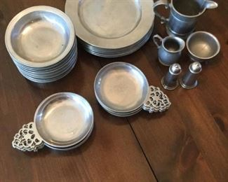 Pewter Place Setting for 8 https://ctbids.com/#!/description/share/273027