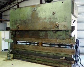 Hydra-Tool Corp. 200 Ton Press Brake, Model # 2000, 3-Phase