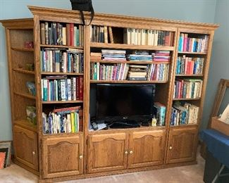 LARGE oak bookshelf/entertainment center