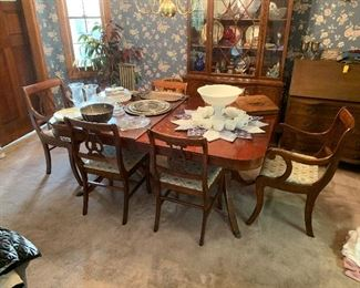 Large Duncan Phyfe table w/ 6 harpback chairs