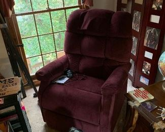 BEAUTIFUL Golden power lift chair, $1100 NEW!