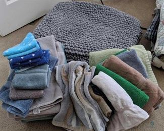 Towels and Bathroom Rugs/Mats
