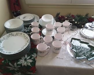 Everyday Ivy Leaf Dishware, perfect for Christmas daytimes. Christmas platters. Poinsettia Runner.