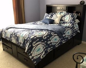Platform bed with great storage (mattress included)
