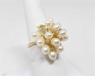 102: 14k Pearl and Diamond Ring, 6.7 This 14k Pearl and diamond ring weighs approximately 6.7g and is the size is approximately 8.5 Metal Type: Yellow Gold Ring Size: 8.5 Gemstones: Diamond