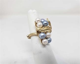 104: 14k Gold Pearl Ring, 9.4 This beautiful 14k Gold Pearl Ring Weighs approximately 9.4g and is a size 6.5 approximately Metal Type: Yellow Gold Ring Size: 6.5 Gemstones: Pearl