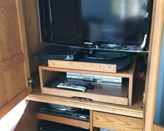 Flat screen TV & Technics stereo & turntable