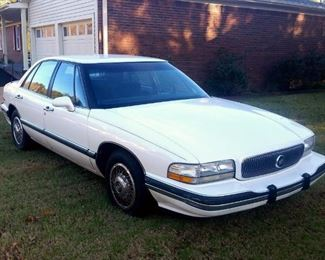 1992 Buick 'LeSabre' with 3.8 L engine, 99,450 miles, garage kept, one non-smoking owner