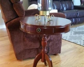 A closer look at the mahogany drum table