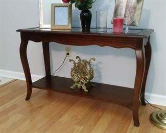 A closer look at the cherry console table