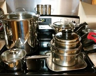 Assortment of cookware including several pieces by Townecraft