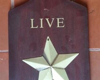 Live Simply, raised star, wooden decorative cheeseboard.